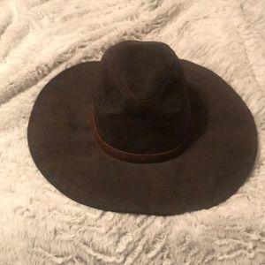 Billabong wise brim large faux suede hat